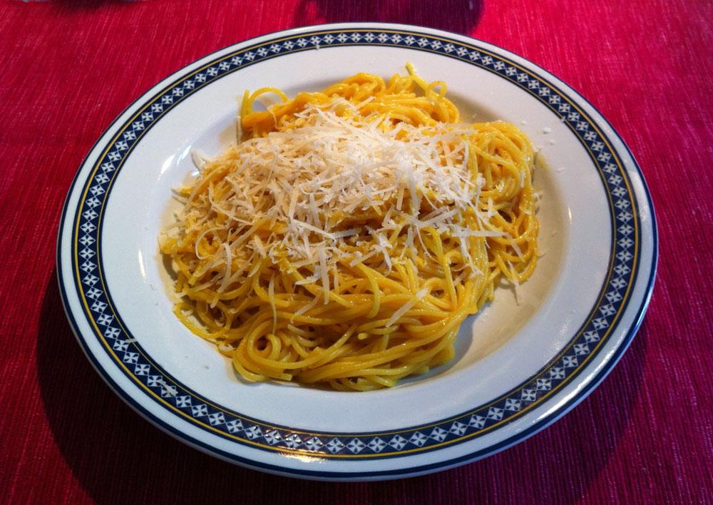 Spaghetti aglio olio e peperoncino. E… Cúrcuma!!
